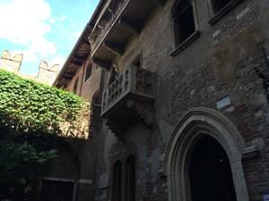 Sacada na casa de Julieta em Verona