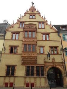 Um hotel/restaurante em Colmar a maison des tetes